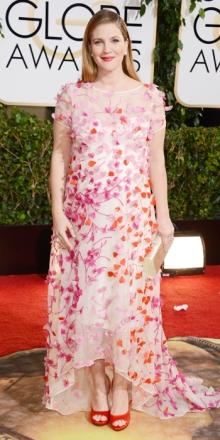 Abito francese per Drew Barrymore in Monique Lhuillier. Ok...bello, però forse i fiori 3D non donano in fase premaman.